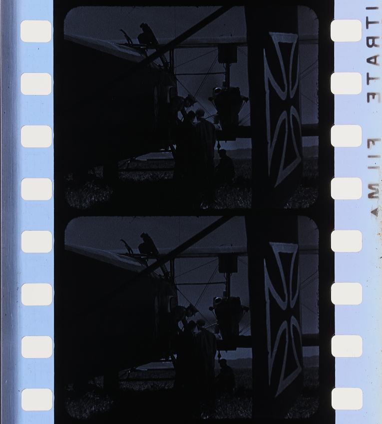 Tavolo Giardino Delle Parole Prezzo.Hell S Angels 1930 Timeline Of Historical Film Colors
