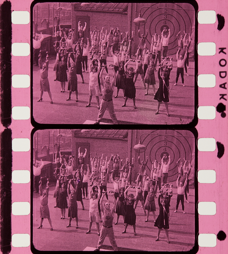 Gaumont Woche] [1926]   Timeline of Historical Film Colors