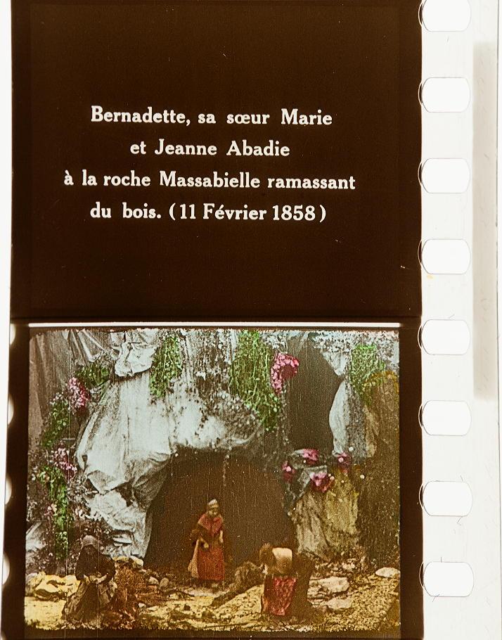Lourdes Les Apparitions De La Sainte Vierge à Bernadette